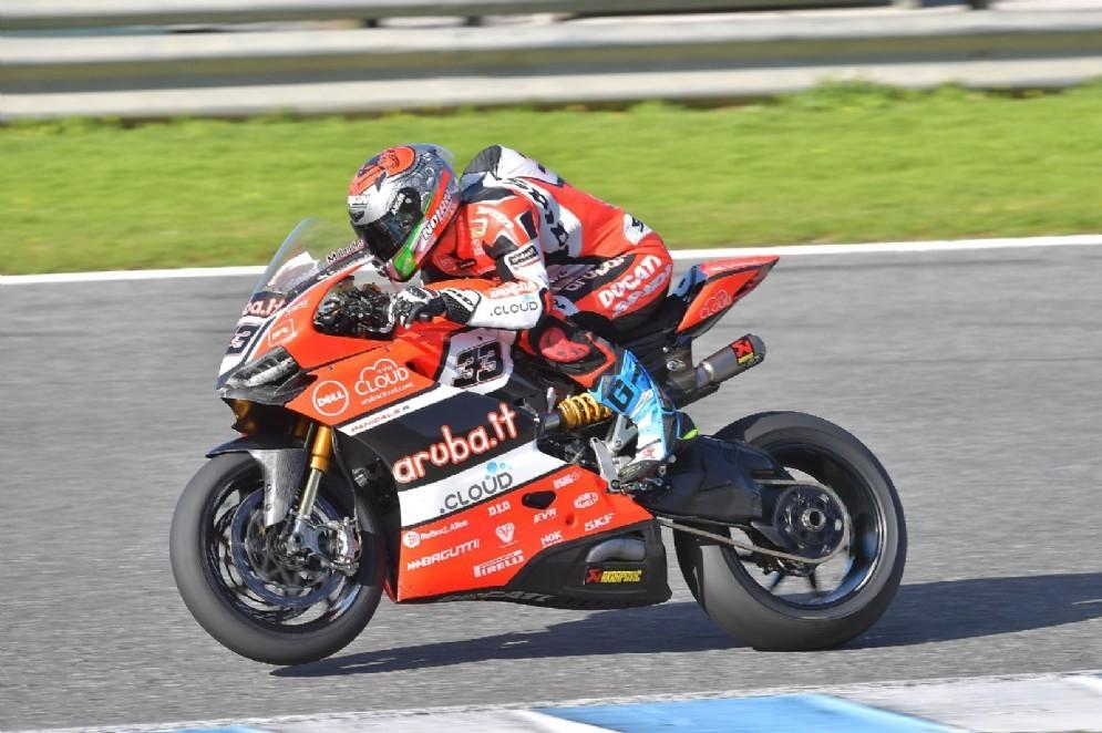 Melandri in azione sulla Panigale R a Jerez