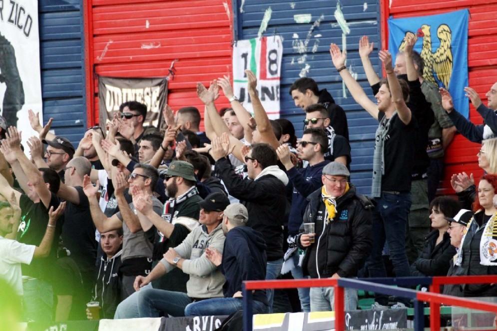 I tifosi in trasferta a Cagliari (© Diario di Udine)