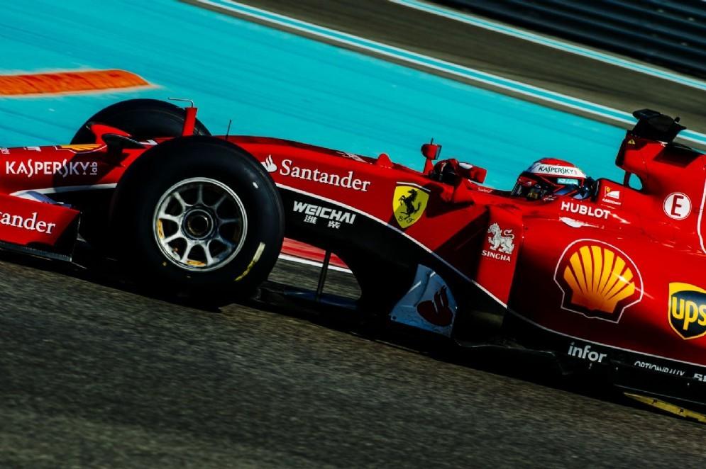 Kimi Raikkonen in pista nei test di Abu Dhabi