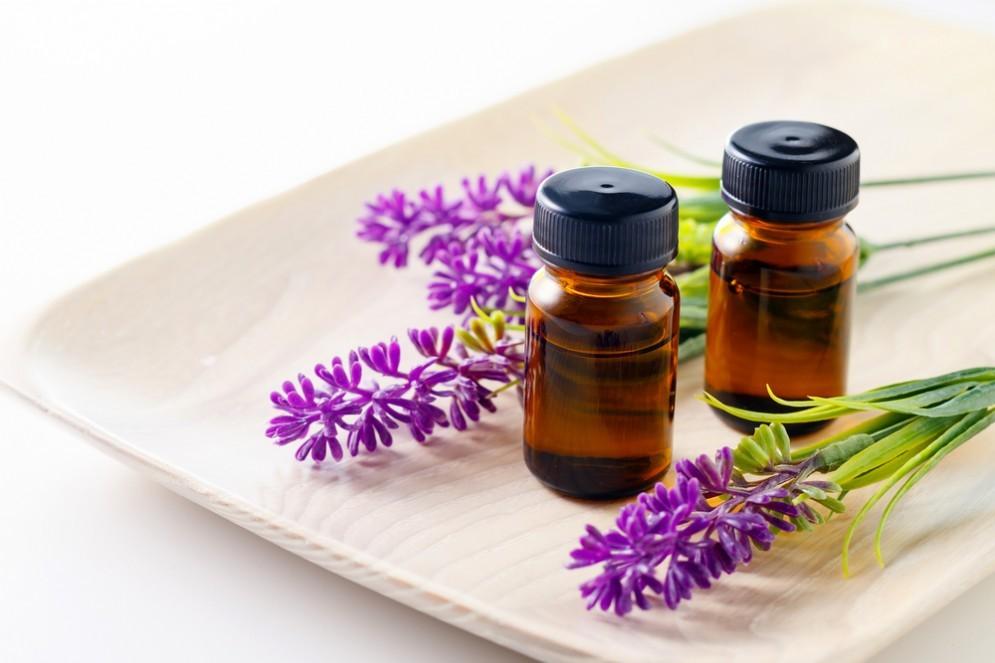Olio essenziale di lavanda contro mal di testa ed emicrania