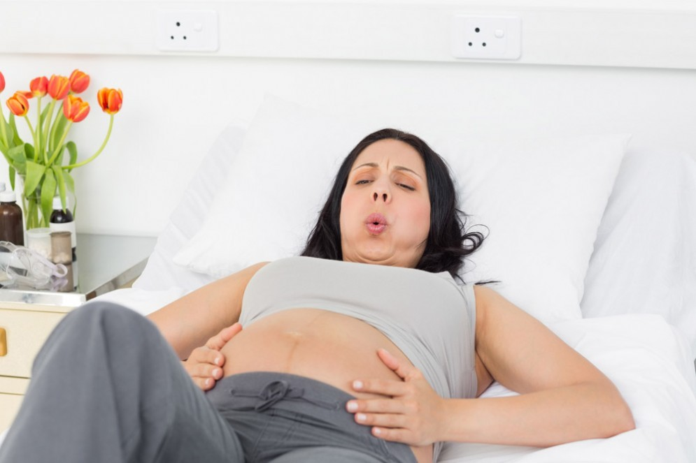 Il parto naturale è preferibile al taglio cesareo