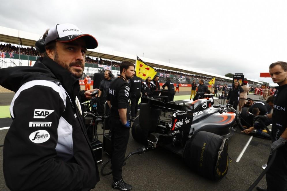 Fernando Alonso con la sua monoposto