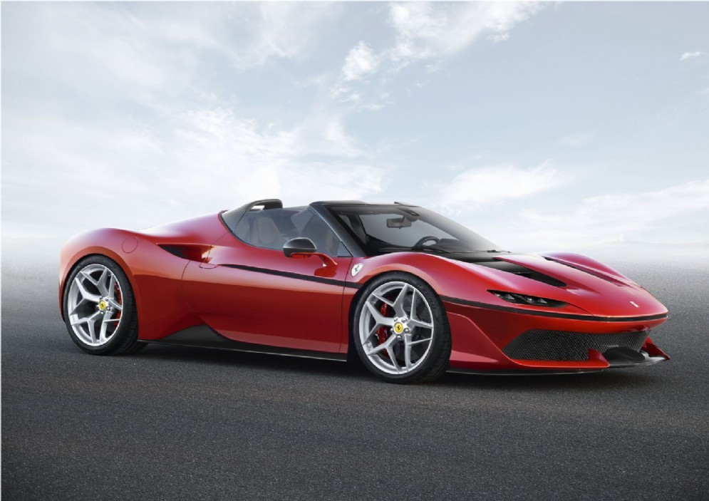 La nuova Ferrari J50