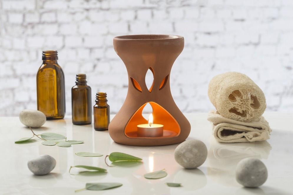 La lampada aromatica per diffondere gli oli essenziali