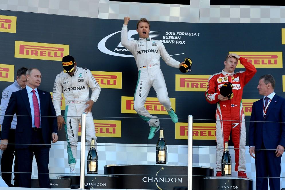 I primi quattro GP sono tutti di Nico Rosberg (7 vittorie consecutive contando le ultime del 2015)
