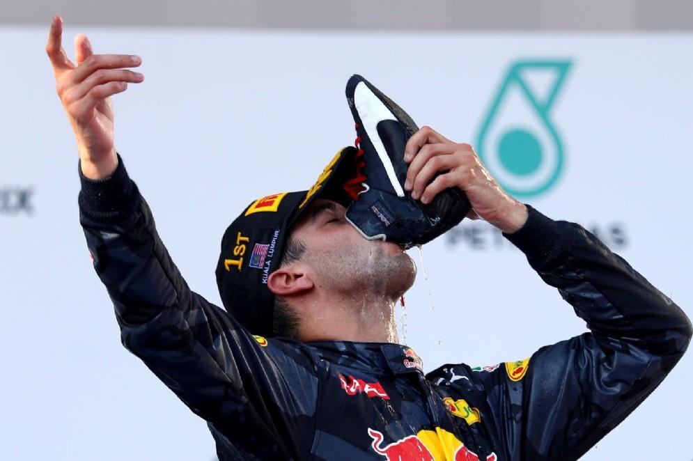 Questo pazzo GP di Malesia lo vince dunque Daniel Ricciardo, Rosberg rimonta ed è terzo