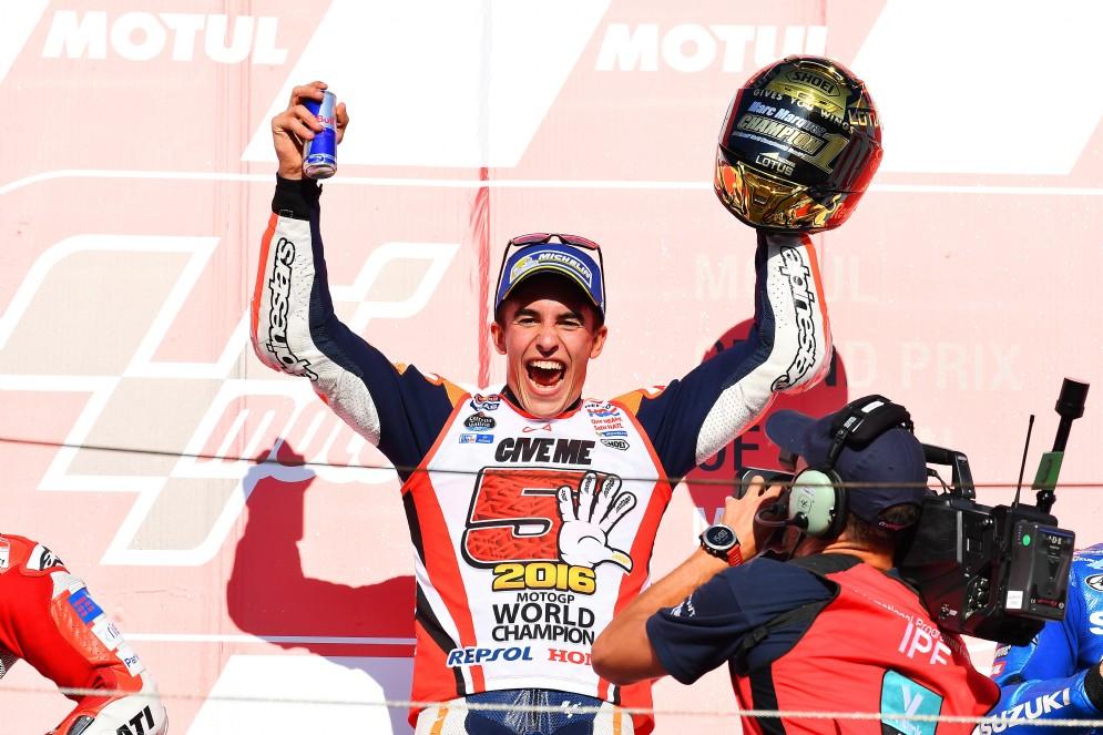 In Giappone finiscono ko sia Lorenzo che Rossi: Marquez vola dunque verso il titolo con 4 GP di anticipo