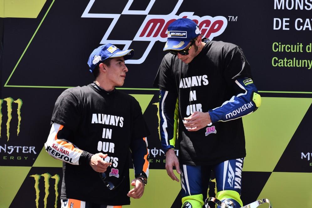 A Barcellona, nel weekend della tragedia di Luis Salom, Valentino Rossi trionfa e fa pace con Marquez