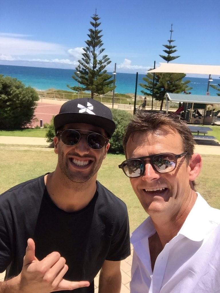 Niente neve per Daniel Ricciardo, che è volato nell'estate della sua Australia