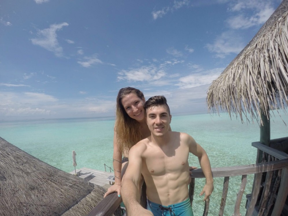 Vacanze in spiaggia, alle Maldive, con la sua Kiara Fontanesi per Maverick Vinales