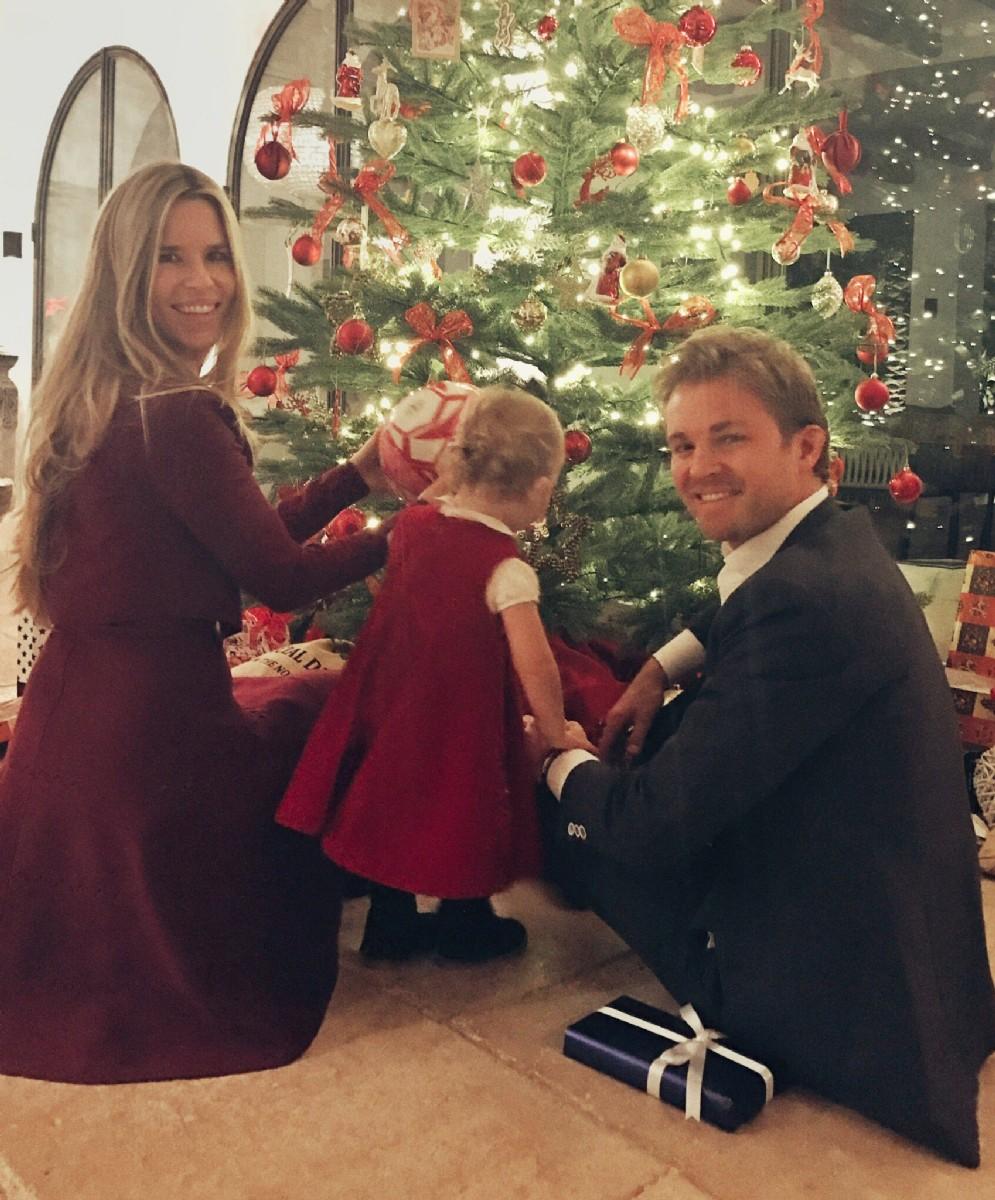 Dopo il ritiro dalla F1, il campione Nico Rosberg si gode la famiglia