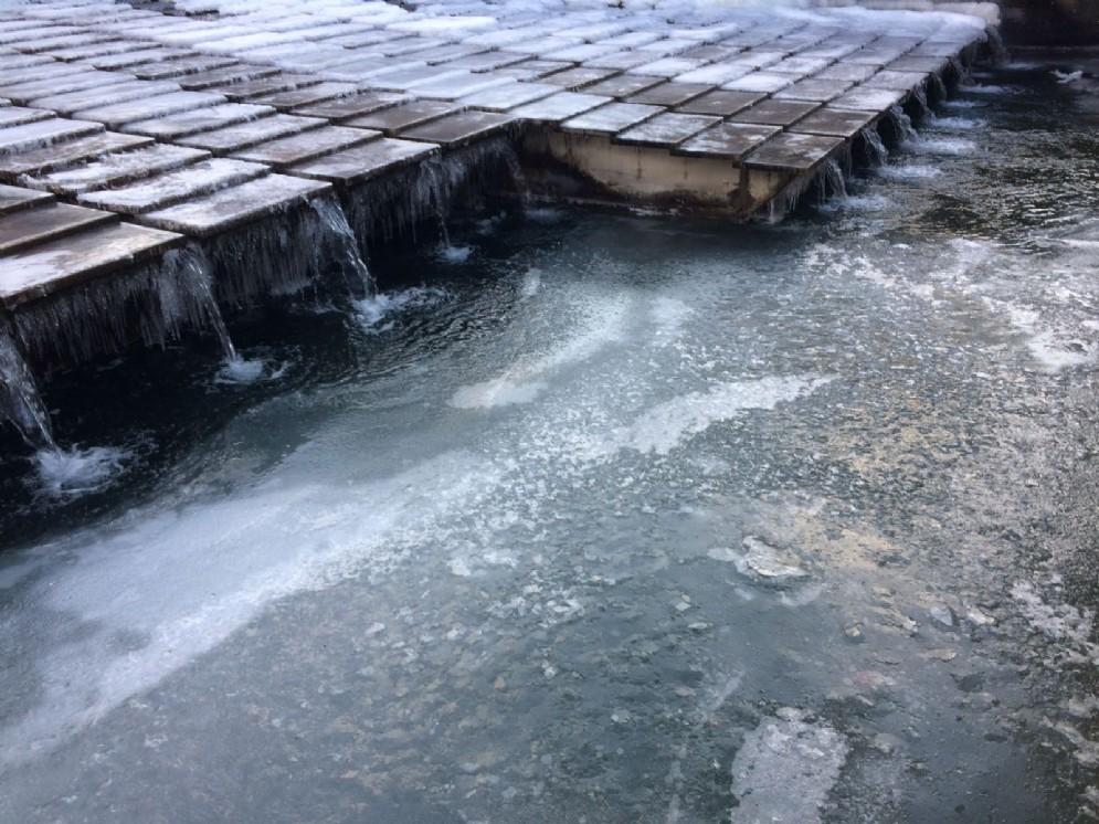 Il ghiaccio in piazzale XXVI Luglio