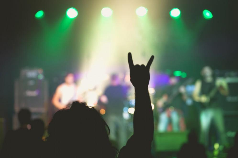 Un concerto di musica heavy metal