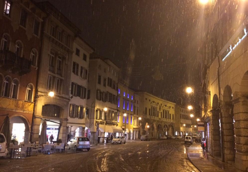 La neve caduta su Udine
