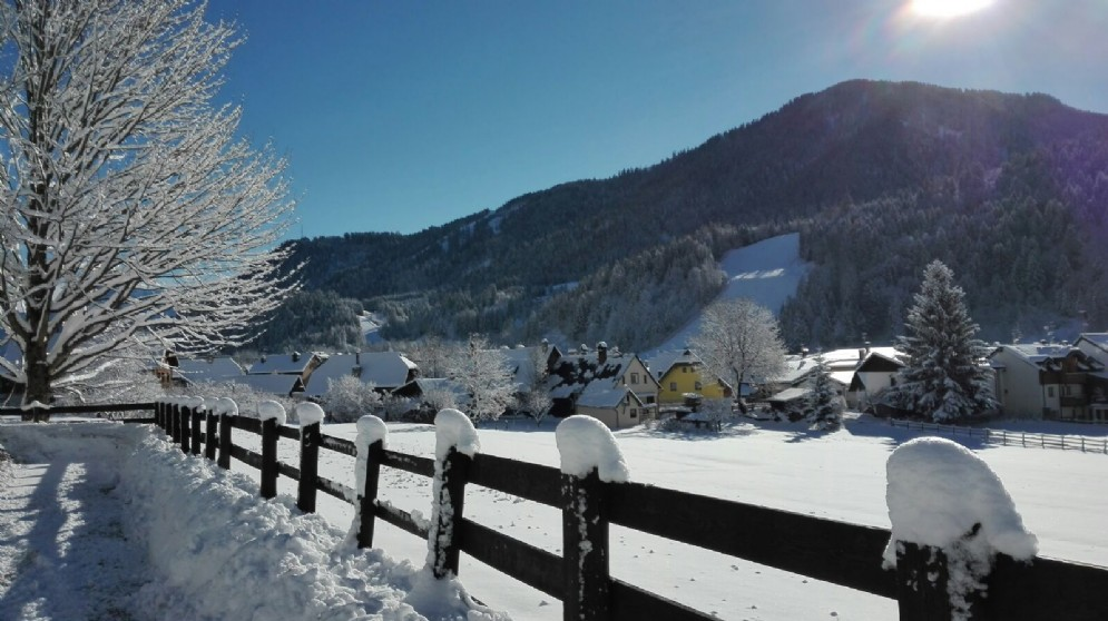 Le immagini di Camporosso dopo la nevicata