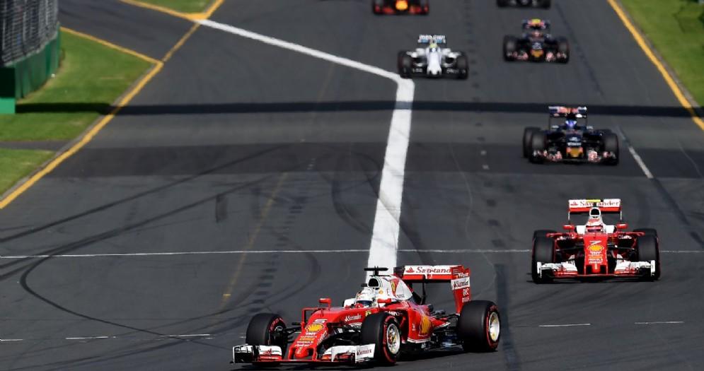 La partenza del primo Gran Premio stagionale 2016 in Australia