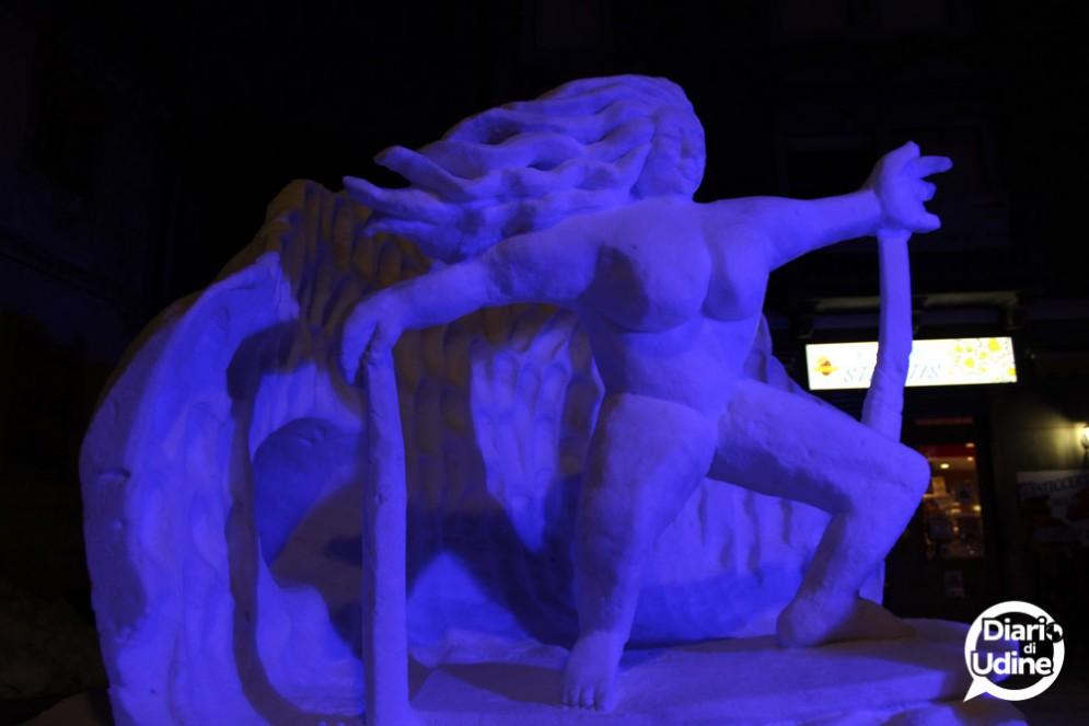 Snow Art Pontebba: conclusa la seconda edizione, vince il Pavone, qui la statua dell'Italia