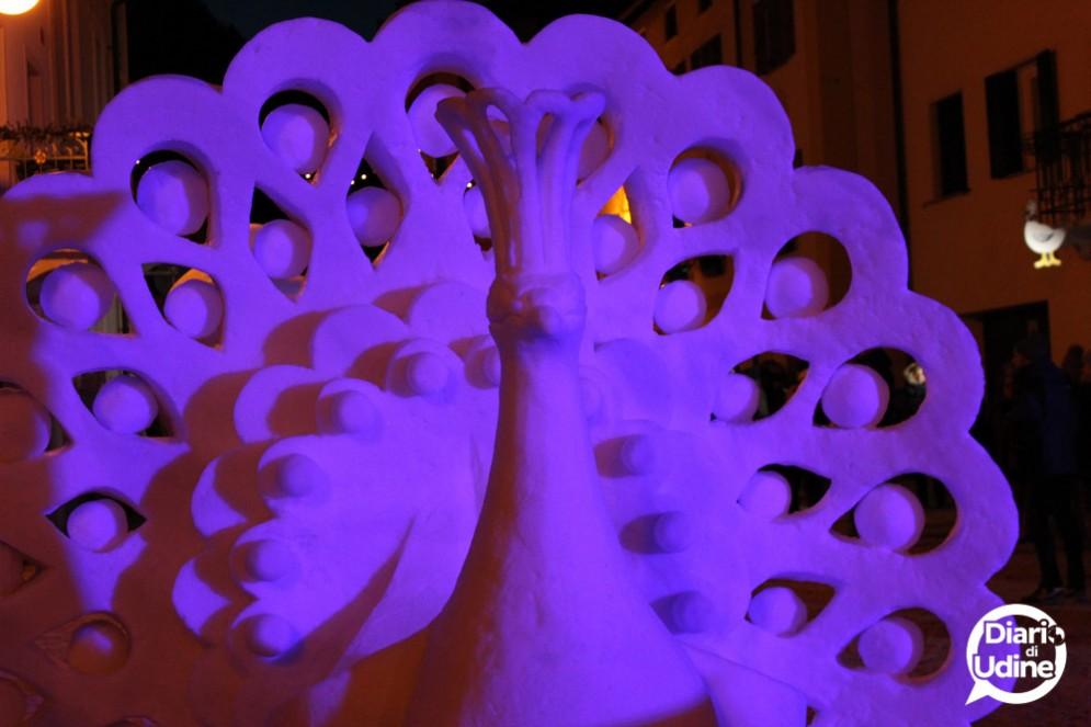Snow Art Pontebba: conclusa la seconda edizione, vince il Pavone, qui bellissimo e colorato