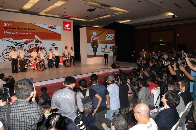 I vertici della Hrc sul palco a Giacarta in Indonesia