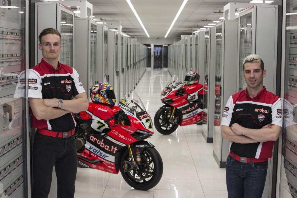 Chaz Davies e Marco Melandri con le loro Ducati Panigale R 2017