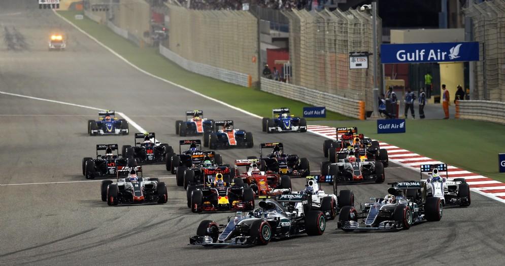 La partenza al rallentatore di Lewis Hamilton nello scorso GP del Bahrein