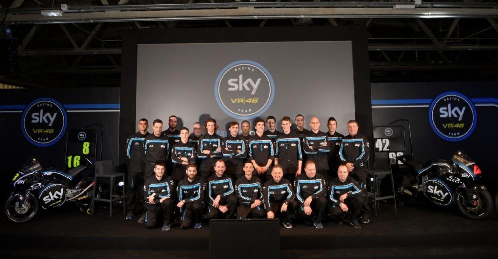 Foto di gruppo con tutta la squadra di Valentino Rossi
