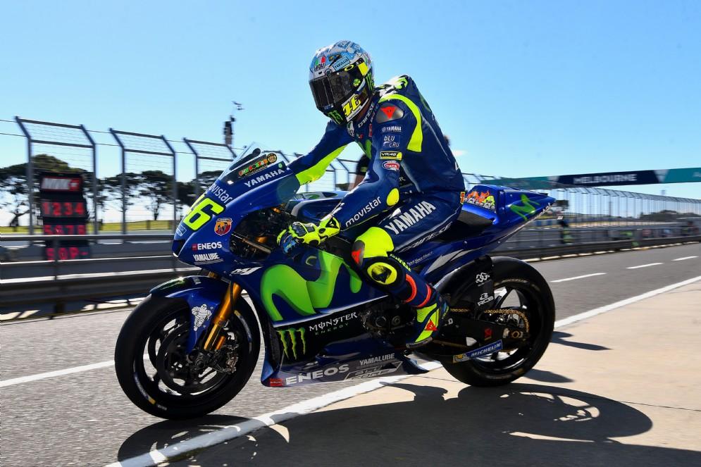 Valentino Rossi esce dai box: i test MotoGP riprendono a Phillip Island