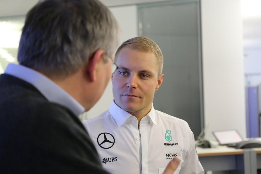 Valtteri Bottas con la divisa Mercedes