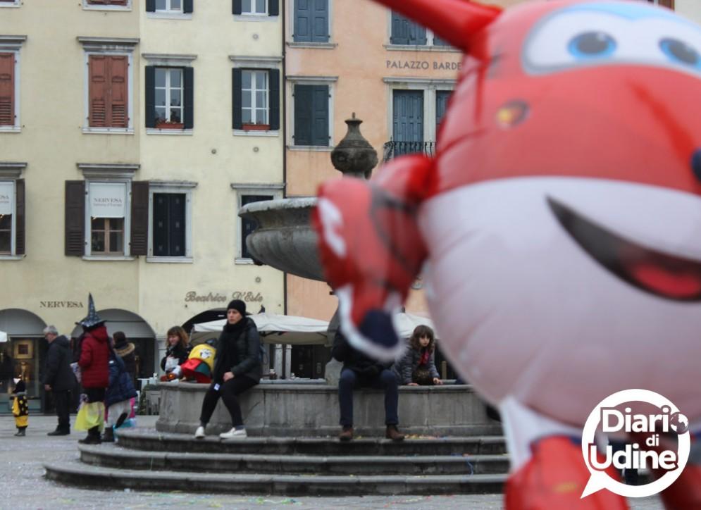Le mascherine di Carnevale in Piazza San Giacomo