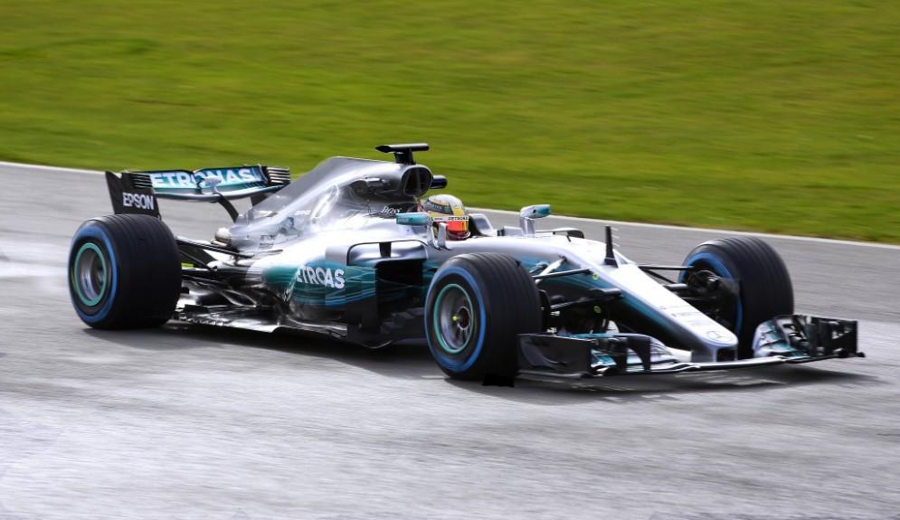 La Mercedes W08 Hybrid oggi in pista per la prima volta a Silverstone