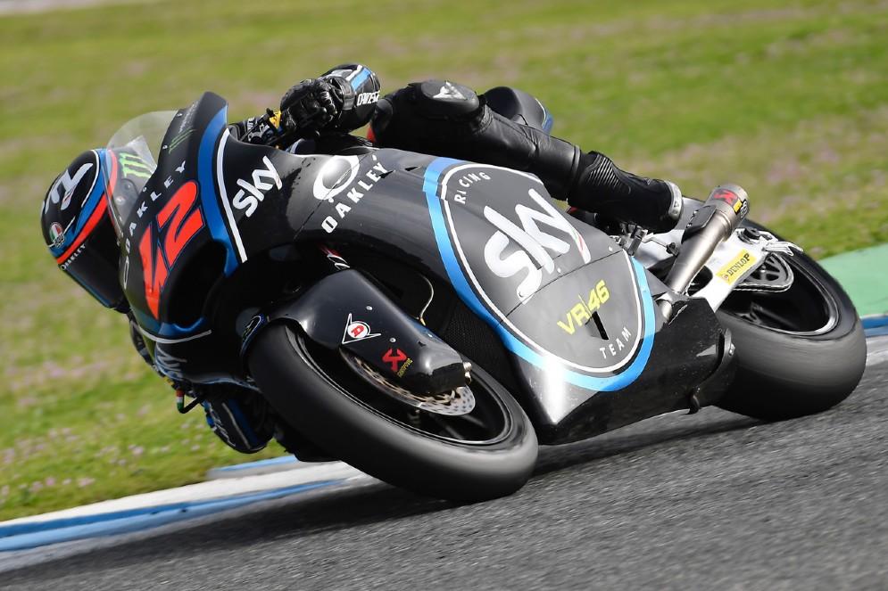 Pecco Bagnaia in pista con la Kalex durante le prove in Spagna