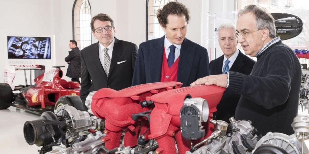 Sergio Marchionne con i suoi vicepresidenti Piero Ferrari e John Elkann