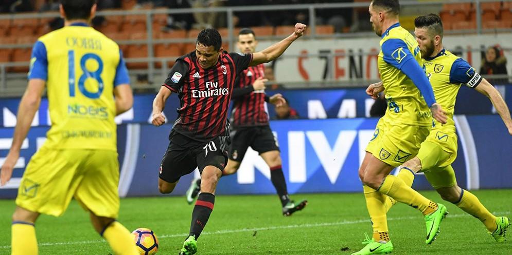 Il primo gol di Bacca contro il Chievo