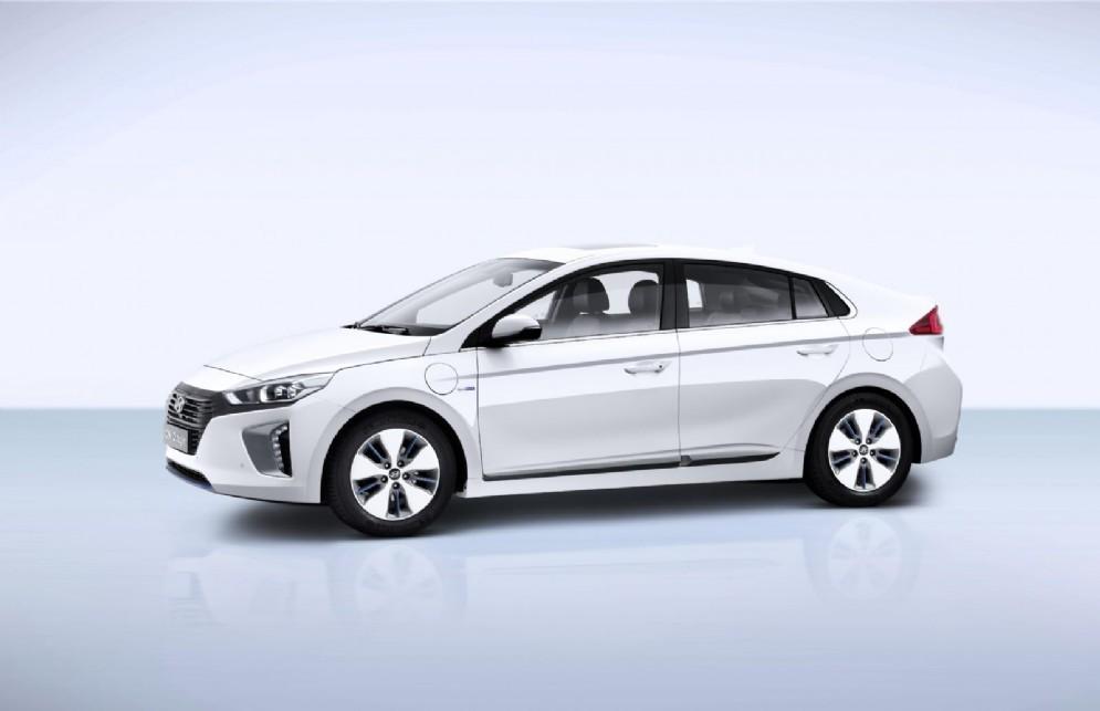 La concept Hyundai Ioniq Plug-In