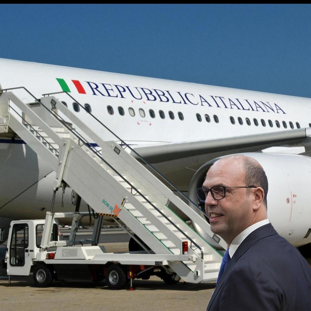 Il ministro degli Esteri, Angelino Alfano ha il record di voli di Stato del governo Gentiloni