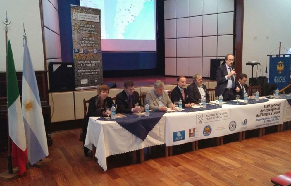 Gianni Torrenti (Assessore regionale Cultura, Sport e Solidarietà) agli Stati generali dei Corregionali dell'America Latina