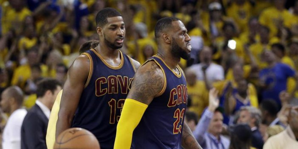 Kyrie Irving e LeBron James