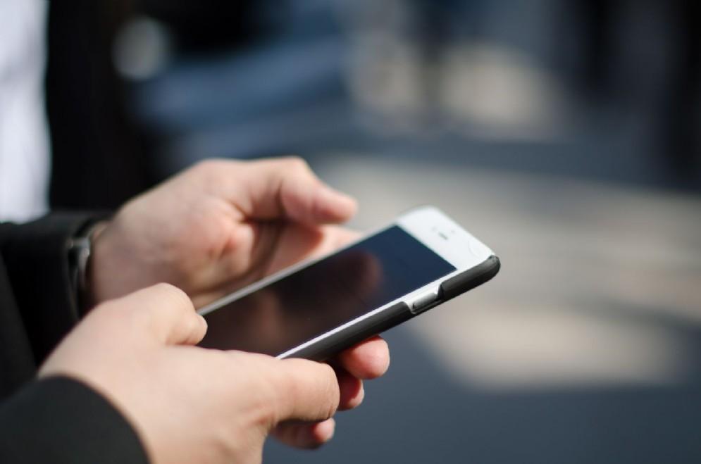 Corecom: controversie telefoniche, gli utenti promuovono le attività del Comitato