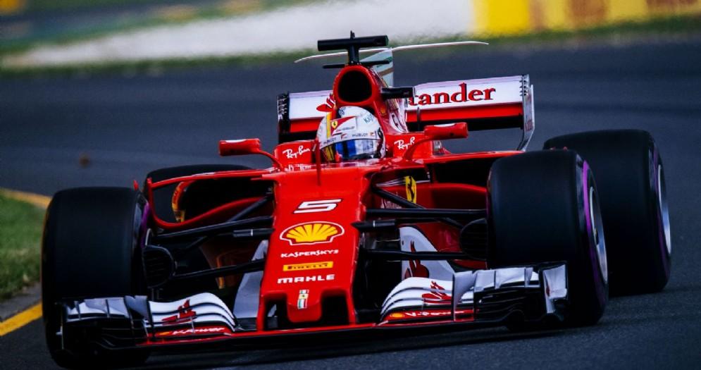 Sebastian Vettel in azione sulla sua SF70H in Australia