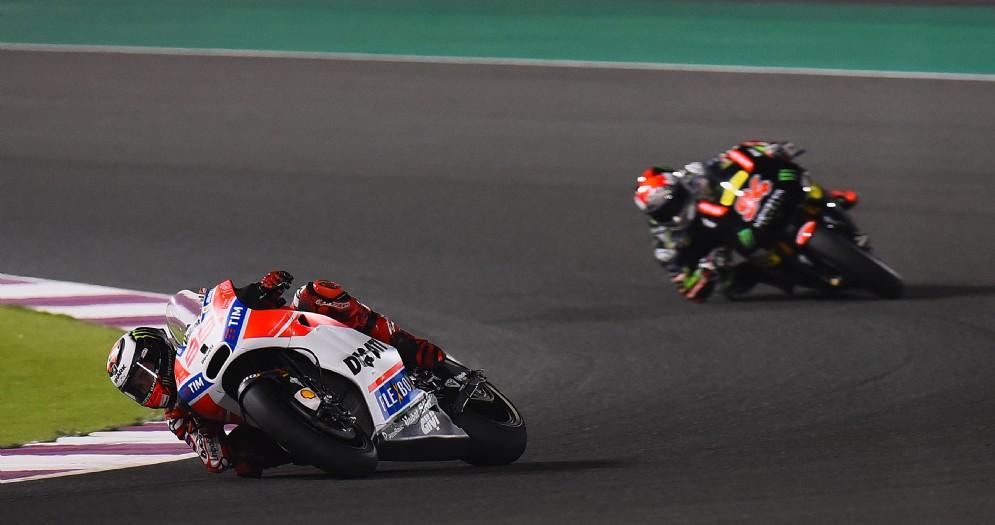 Jorge Lorenzo lotta nelle ultime posizioni con la sua Ducati