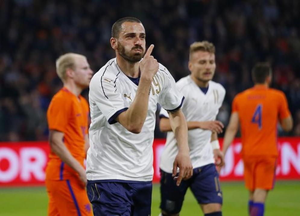 L'esultanza di Bonucci dopo il gol del vantaggio azzurro