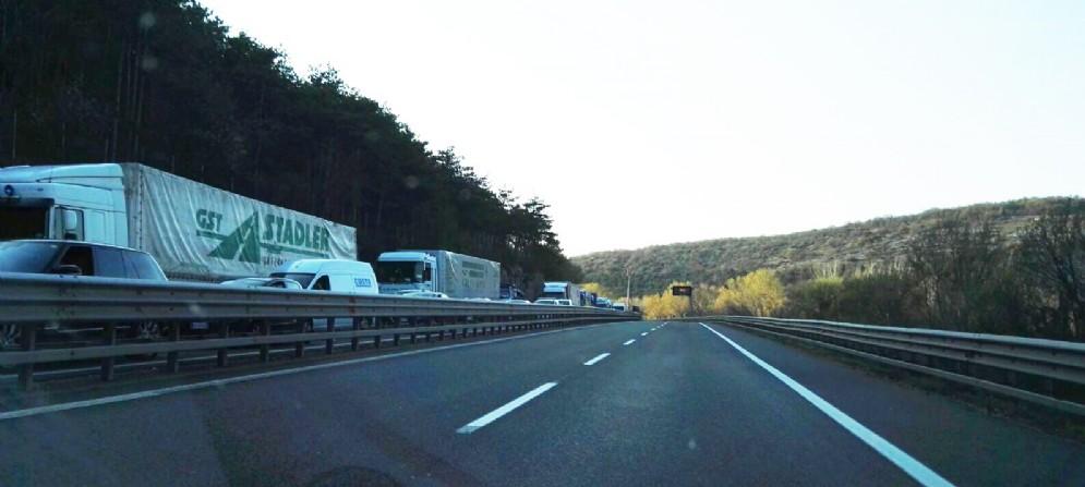 La coda in direzione Trieste