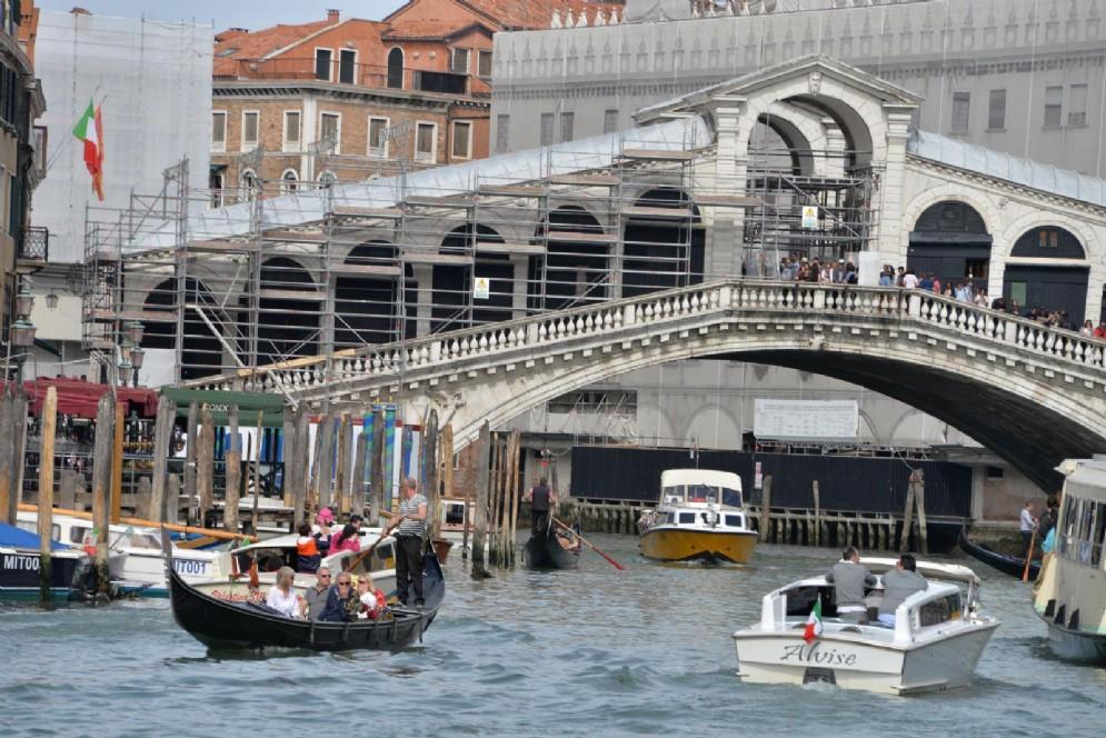 Il ponte di Rialto a Venezia, che secondo la Dda era nel mirino di una cellula jihadista