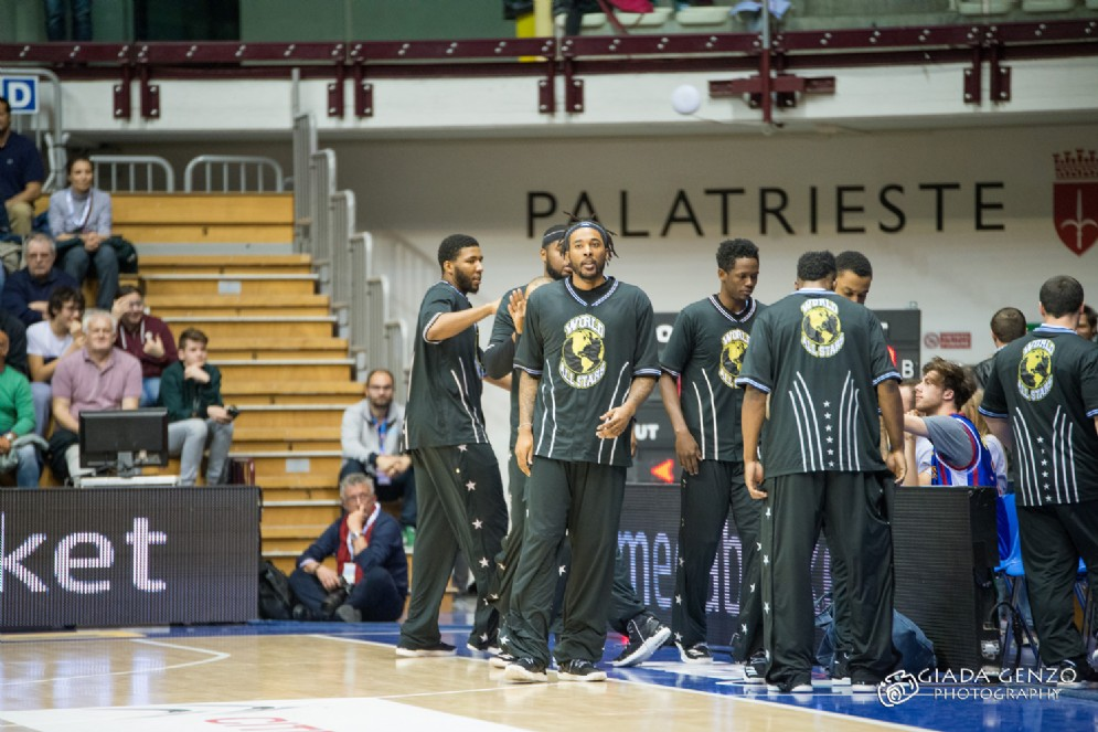 Lo show degli Harlem Globetrotters a Trieste