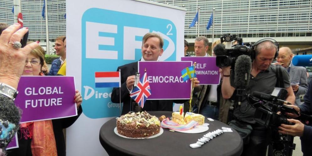 Festeggiamenti dopo l'avvio ufficiale della Brexit da parte degli europarlamentari dell'Ukip.