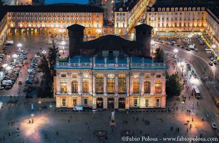 Piazza Castello vista dall'alto