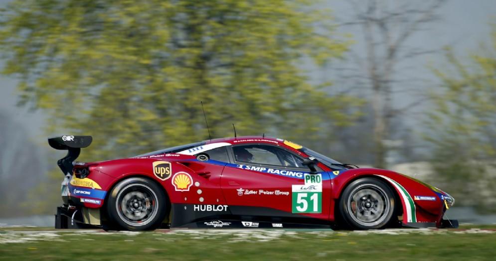 La Ferrari 488 Gte numero 51 che sarà guidata da Lucas di Grassi