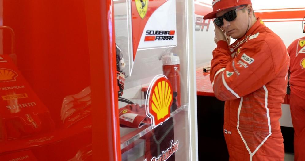 Kimi Raikkonen ai box