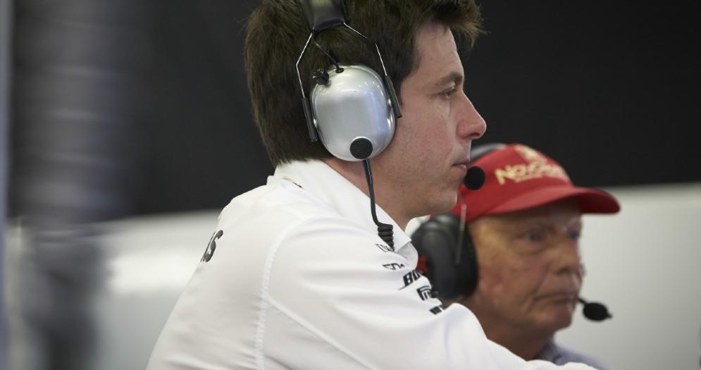 Il team principal Toto Wolff con il presidente Niki Lauda