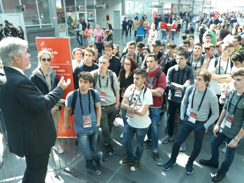 Cluster Arredo al Salone del Mobile: i commenti degli studenti friulani Pn (distretto Mobile) e Ud (Distretto Sedia), prima volta in sinergia